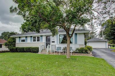 Menomonee Falls Single Family Home Active Contingent With Offer: W146n8570 Macarthur Dr
