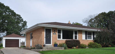 Menomonee Falls Single Family Home Active Contingent With Offer: W151n8669 Marshall Dr