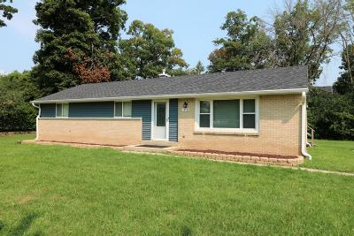 New Berlin Single Family Home For Sale: 14540 W Oklahoma Ave