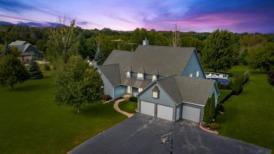 Mukwonago Single Family Home Active Contingent With Offer: W1178 Wolf Way