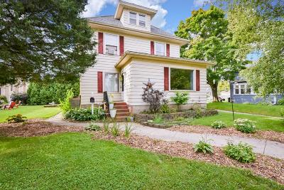 Port Washington Single Family Home For Sale: 409 W Foster St