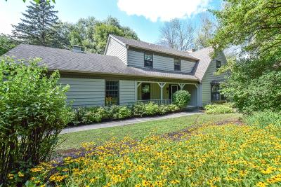 Mequon Single Family Home Active Contingent With Offer: 12053 N Maryhill Ct