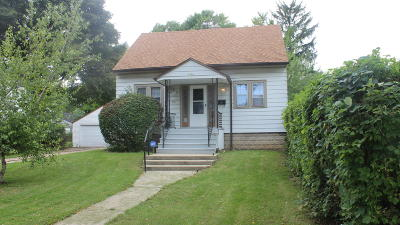 Milwaukee Single Family Home For Sale: 4921 N 54th St