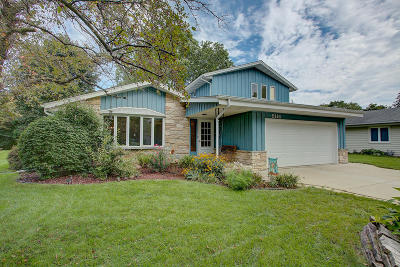 Greendale Single Family Home Active Contingent With Offer: 5114 Russell Dr