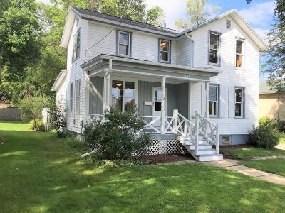 Watertown Single Family Home For Sale: 406 N Monroe St