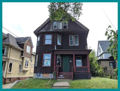 Milwaukee Single Family Home For Sale: 3221 W Michigan St