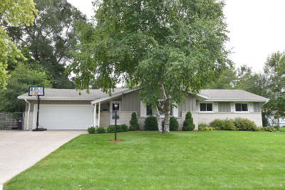 Menomonee Falls Single Family Home Active Contingent With Offer: W182n8904 Princeway