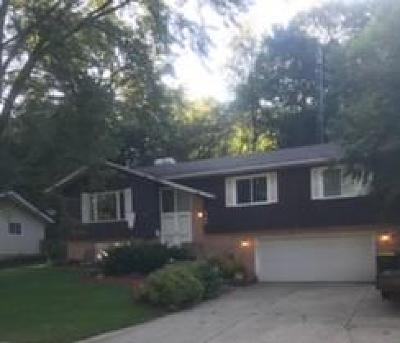 Fort Atkinson WI Single Family Home Active Contingent With Offer: $164,900
