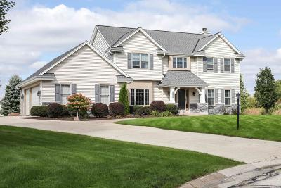 New Berlin Single Family Home Active Contingent With Offer: 6140 S Benfield Ct