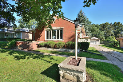 West Allis Single Family Home Active Contingent With Offer: 8820 W Cleveland Ave