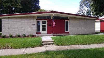 West Allis Single Family Home For Sale: 3033 S 74th St