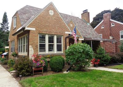 Single Family Home Active Contingent With Offer: 633 N 76th St