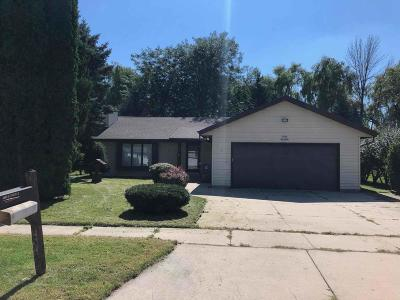 Jackson Single Family Home Active Contingent With Offer: N160w19569 Clover Ln