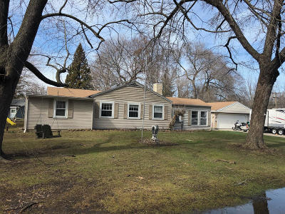 New Berlin Single Family Home For Sale: 17306 W Roosevelt Ave