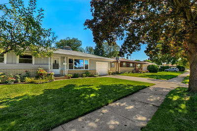 Kenosha Single Family Home Active Contingent With Offer: 8403 25th Ct