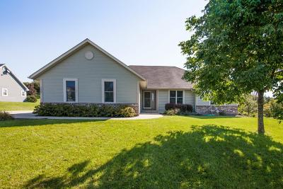 Jefferson County Single Family Home Active Contingent With Offer: 113 Red Fox Dr