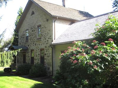 Ozaukee County Single Family Home For Sale: 5825 W Cedar Creek Rd