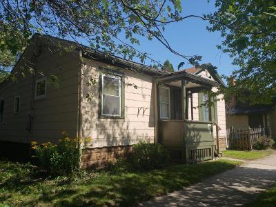 Racine Single Family Home For Sale: 608 Eleventh St