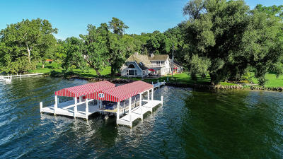 Lake Geneva Single Family Home Active Contingent With Offer: 2263 N Bonnie Brae Ln