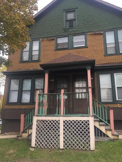 Milwaukee WI Two Family Home For Sale: $202,000