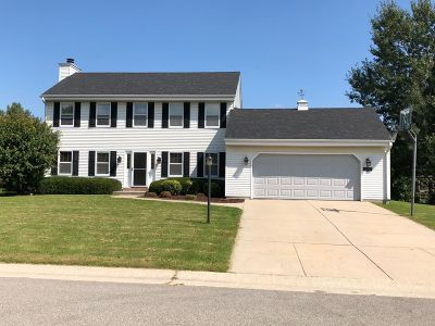 Germantown Single Family Home Active Contingent With Offer: W158n10510 Fieldstone Pass
