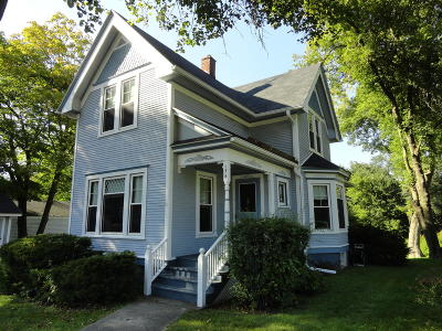 Williams Bay Single Family Home For Sale: 176 W Geneva St