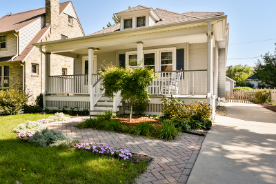Whitefish Bay Single Family Home For Sale: 5140 N Diversey Blvd