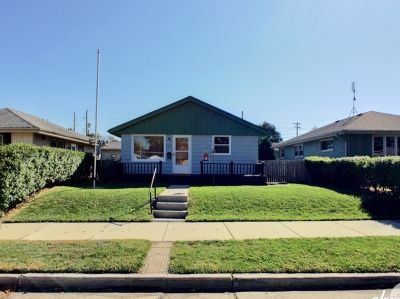 Racine Single Family Home Active Contingent With Offer: 2403 Grove Ave