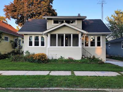 Kenosha Single Family Home Active Contingent With Offer: 6907 37th Ave