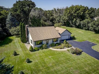Waukesha Single Family Home For Sale: W275s4471 Green Country Rd