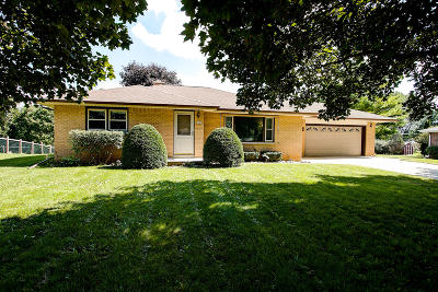 West Bend Single Family Home For Sale: 6448 Scenic E Dr