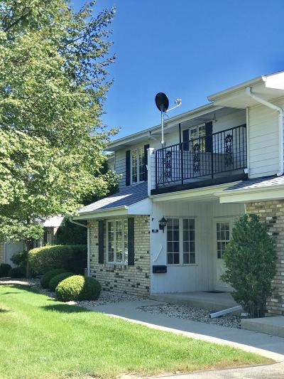 Kenosha Condo/Townhouse Active Contingent With Offer: 3116 86th St #203