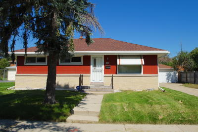 Milwaukee Single Family Home For Sale: 8804 W Winfield Ave