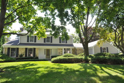 Brookfield Single Family Home Active Contingent With Offer: 16555 Mary Cliff Ln