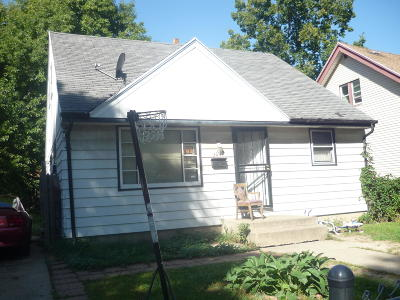 Milwaukee Single Family Home For Sale: 3057 N 44th St