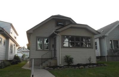 West Allis Single Family Home For Sale: 1553 S 62nd St