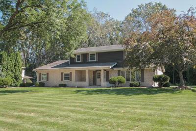 Racine Single Family Home For Sale: 3425 Leo Ln