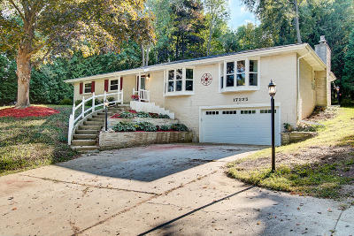 Brookfield Single Family Home Active Contingent With Offer: 17275 Holly Ln