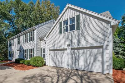 Mequon Single Family Home For Sale: 9326 W Stanford Ct