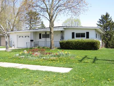 Watertown Single Family Home For Sale: 405 S Concord Ave