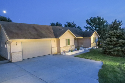 Watertown Single Family Home For Sale: N8236 Pipersville Rd