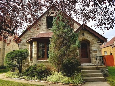 Milwaukee WI Single Family Home For Sale: $113,900