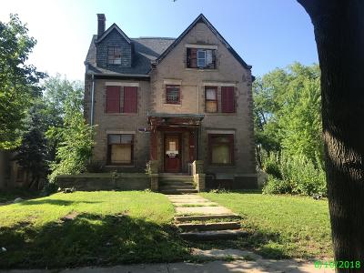 Milwaukee WI Single Family Home For Sale: $5,000