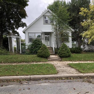 West Allis Single Family Home For Sale: 2437 S 74th St
