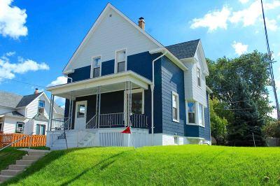 Milwaukee Single Family Home For Sale: 119 E Bolivar Ave