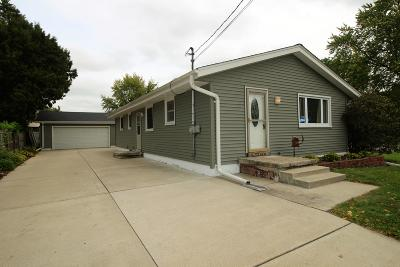 Watertown Single Family Home For Sale: 903 Clay St