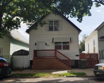 Milwaukee Single Family Home For Sale: 1424 S 25th St