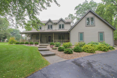 Lisbon Single Family Home Active Contingent With Offer: W221n7897 Golf View Ln