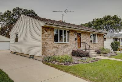Milwaukee Single Family Home For Sale: 3269 S 98th St