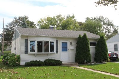 Milwaukee Single Family Home For Sale: 3554 S 23rd St